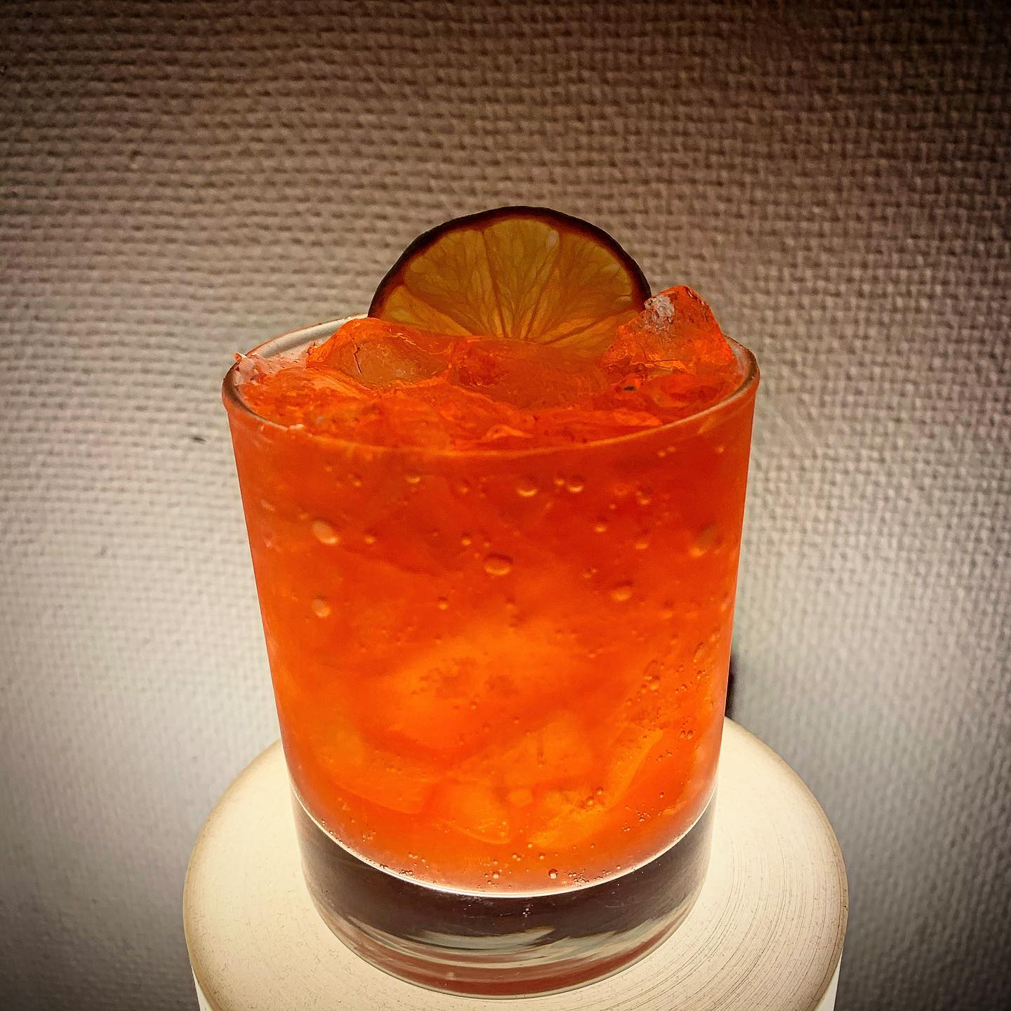 Veckans Cocktail:Ruth Bader In The Jungle -OP Andersson Akvavit, Lingoninfuserad Campari, Lime, Ananassyrup #cocktail#cocktails